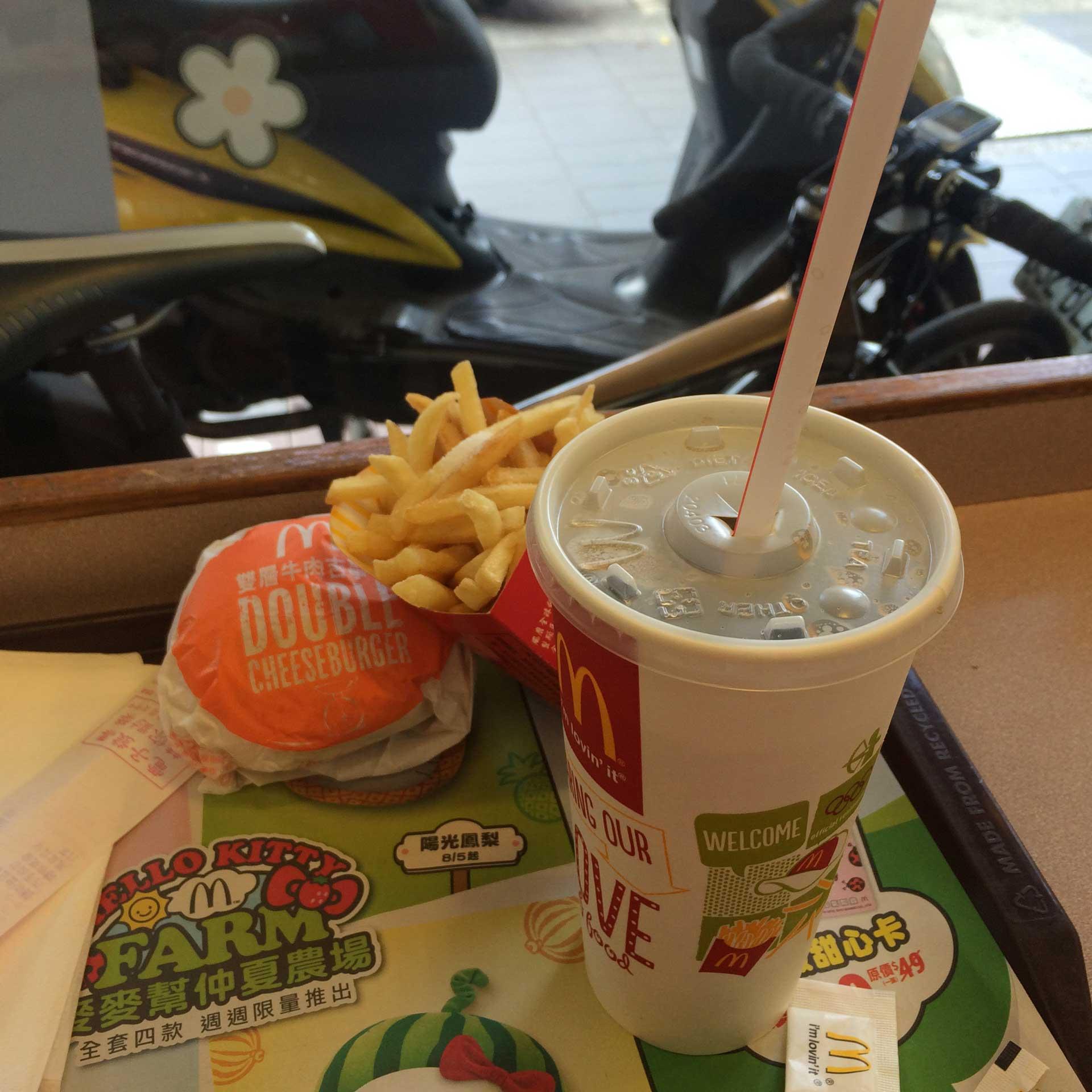 麥當勞的可樂,無可取代,覺得暢快